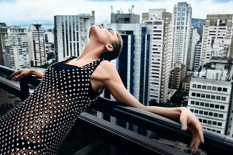 Dress: Mabel Magalhães Top: Faven Briefs: Cila